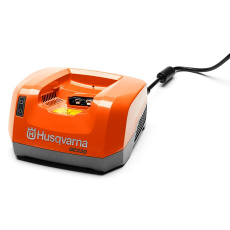 Husqvarna QC 330 akkumulátor töltő
